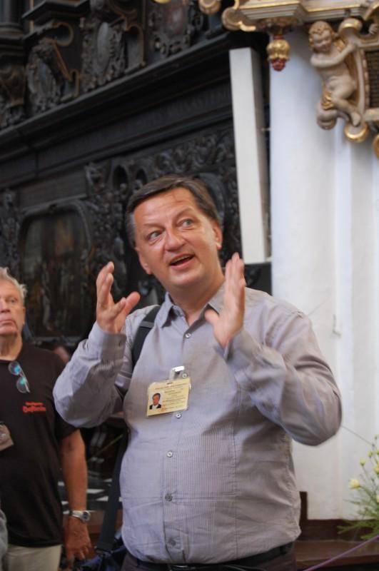 Reiseleiter Aleksander Stec bei der Arbeit