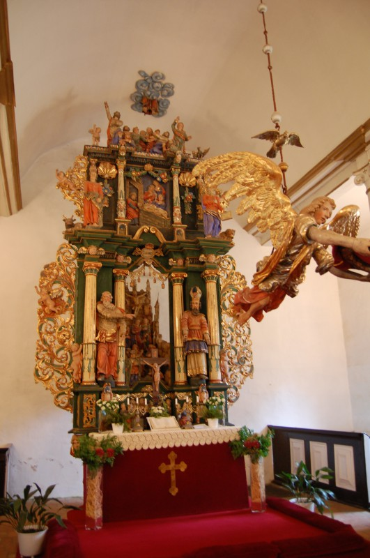 Altar in Sorquitten - von Jesus sind nur noch die Füße zu sehen