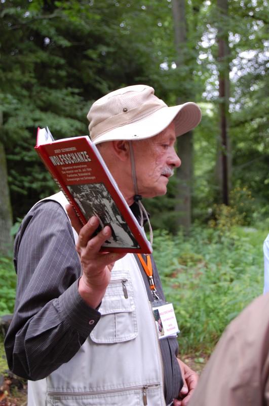 Ein Autor liest aus seinem Werk