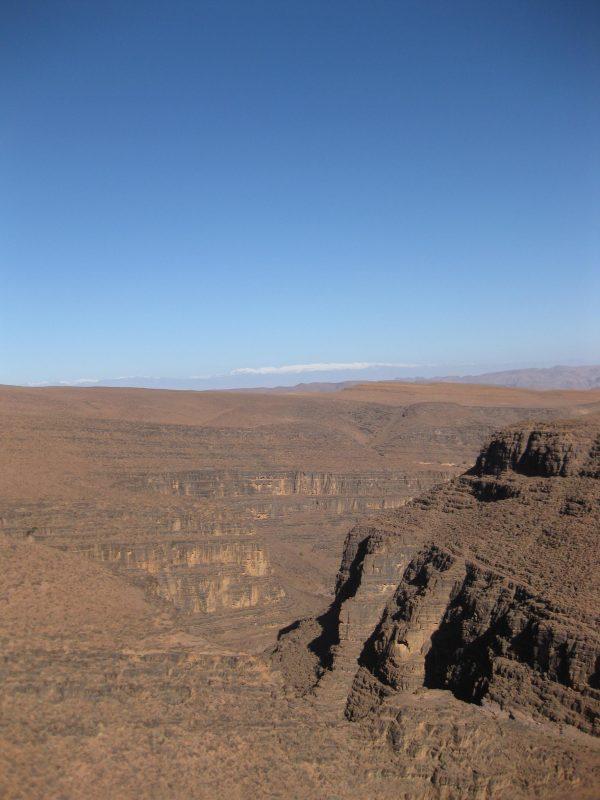 Von Ouarzazate nach Zagora mit Blick auf den Hohen Atlas.