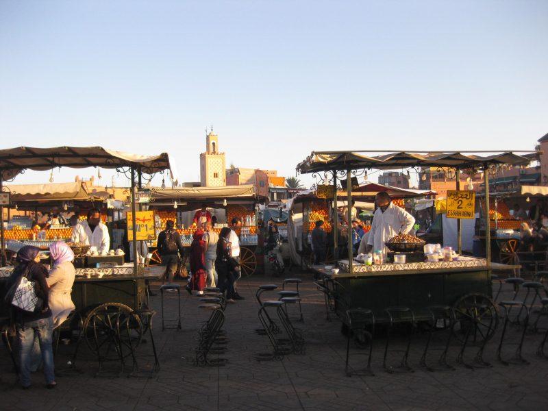Essensstände auf dem berühmten Gauklerplatz
