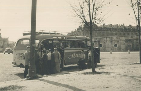 Hirsch Bus in Versailles 1953