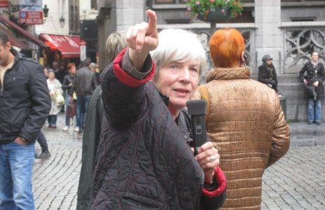 Reiseleiterin Frau Michel im Einsatz
