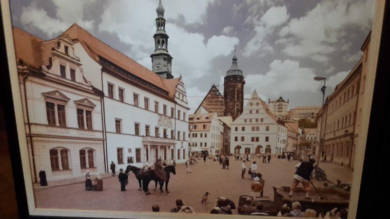 Canalettos Marktplatz zu Pirna - nachgestellt von Laiendarstellern